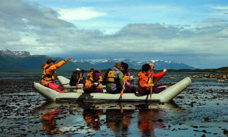 Canoes to Gable Island and Penguin Colony in Ushuaia 2_Mesa de trabajo 1