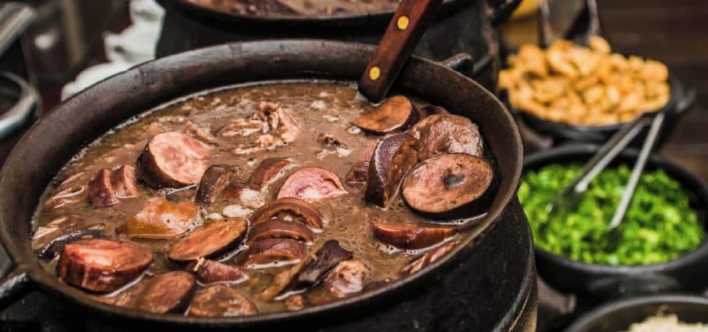 What to eat during your trip to Rio de Janeiro? Feijoada. RipioTurismo DMC for Brazil
