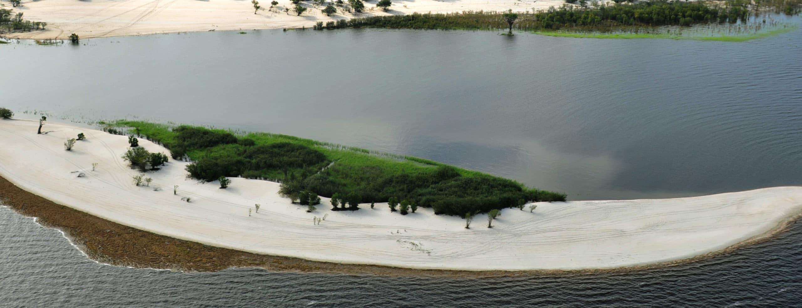 Praia da Lua, Manaos - RipioTurismo DMC for Brazil