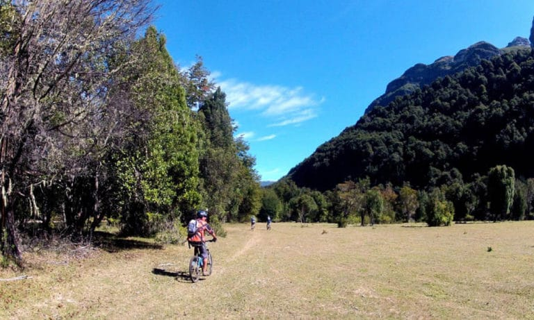 Mountain bike in Bariloche rio manso 2_Mesa de trabajo 1