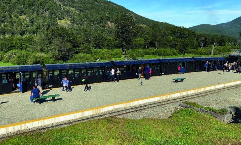 Tierra del Fuego Nat Park with Train of the End of the World 4_Mesa de trabajo 1