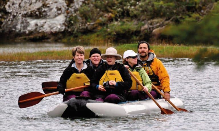 trekking and canoes in Tierra del Fuego National Park 2_Mesa de trabajo 1