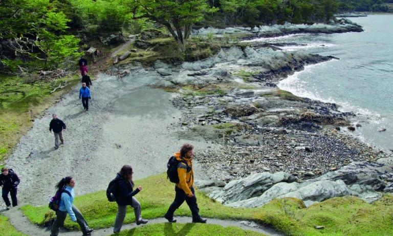 trekking and canoes in Tierra del Fuego National Park 3_Mesa de trabajo 1